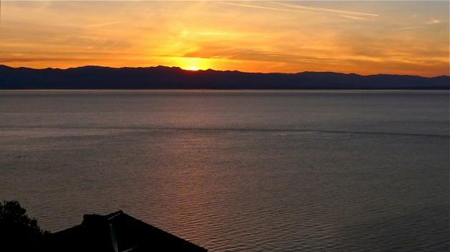 Meeresblick in Kroatien mit Sonnenaufgang